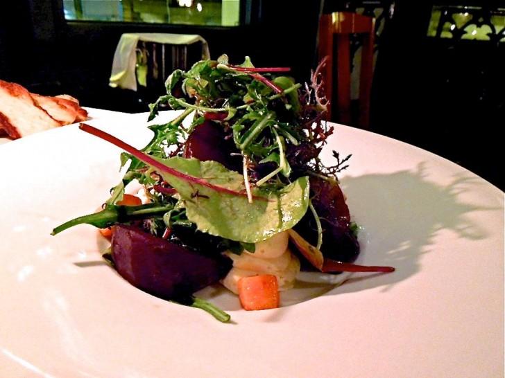 ゴートチーズ・ムースのサラダ