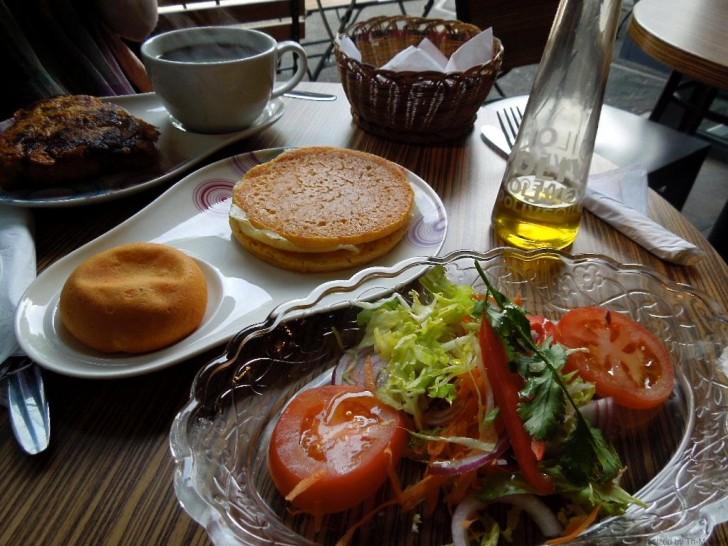 アレパやプランテインのケーキは朝食、ランチにぴったり