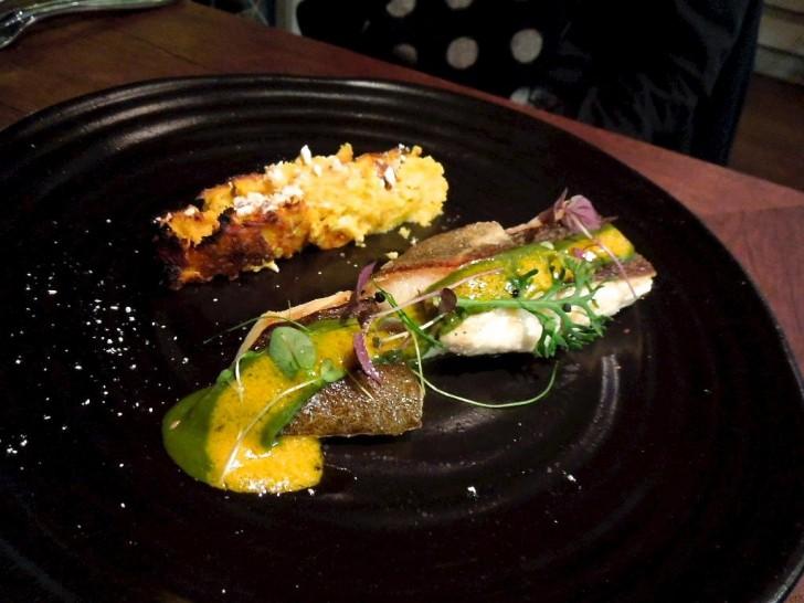得意な魚料理は彩りも豊かに
