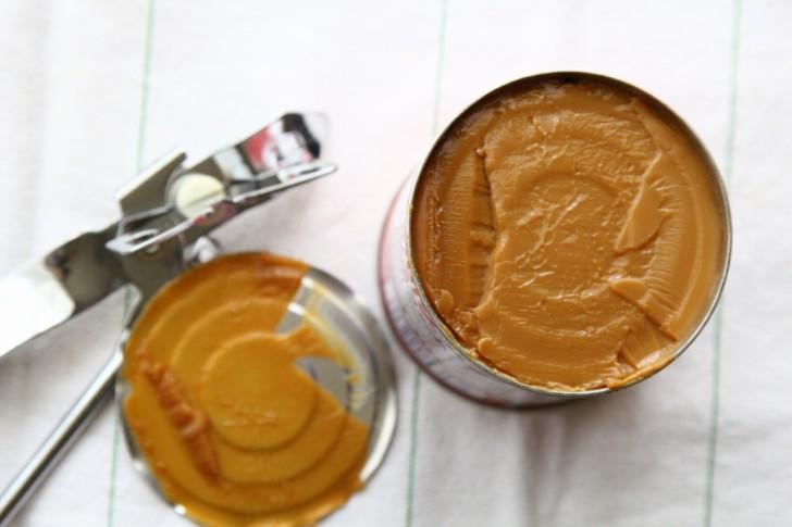 缶の中でキャラメル色のトフィーに変身☆