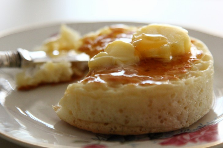 目玉焼きなどをのせてもいいけれど、やっぱりバターとゴールデンシロップがベスト☆