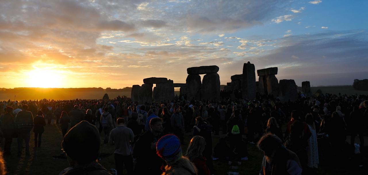 th_Stonehenge_banner