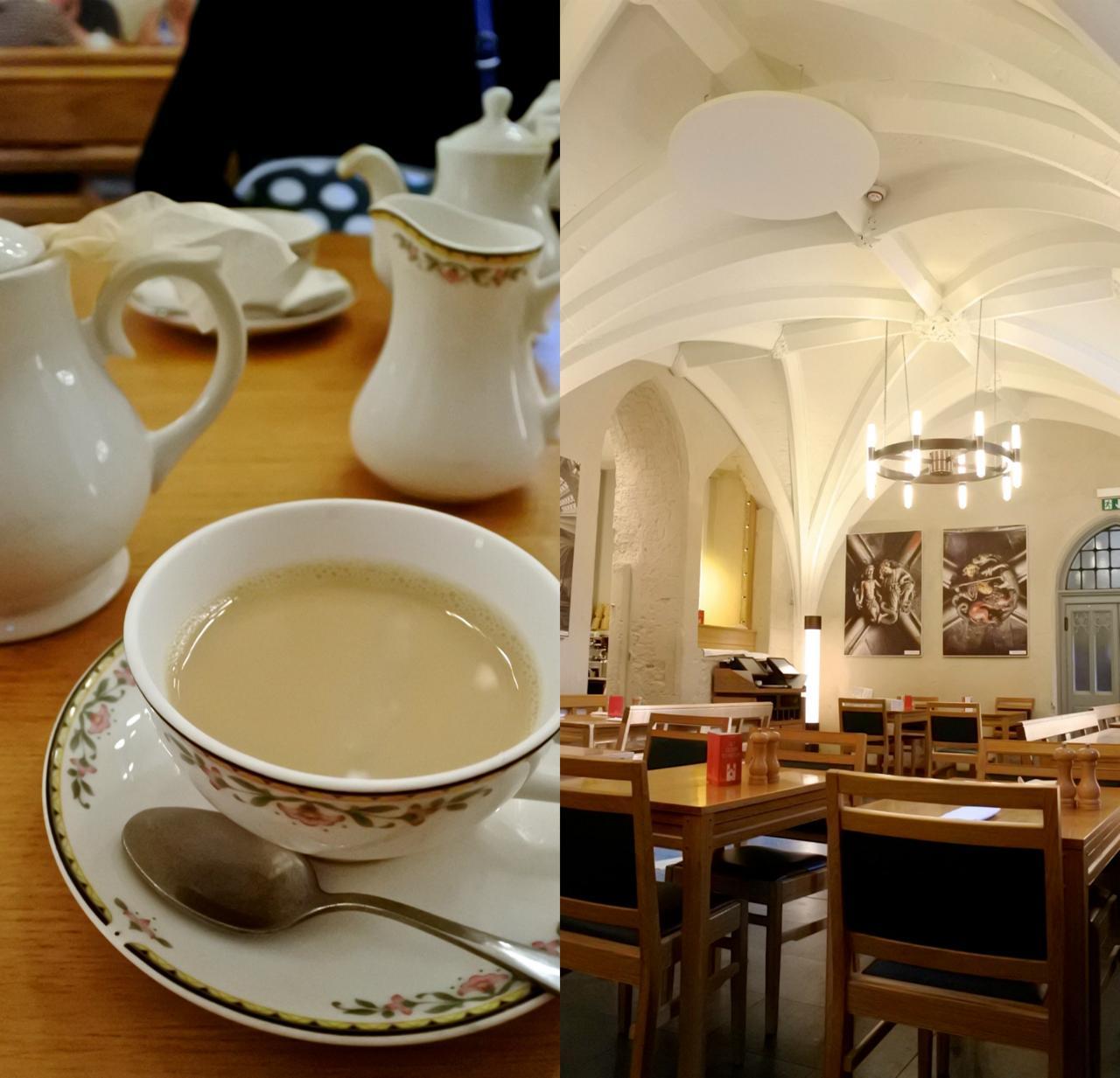 美しい繊細な曲線を描く天井が見もの。壁には数々のキリスト教関連のアートが。