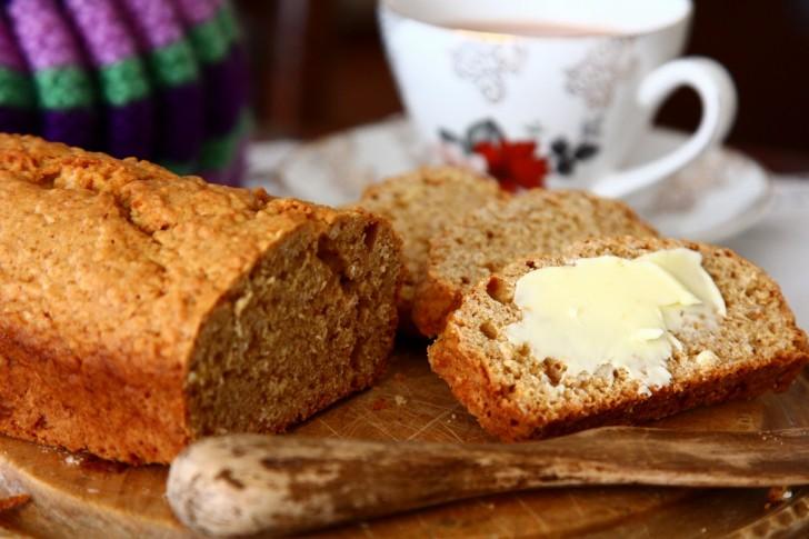 ブルーニーはジンジャーブレッドにしては色白のバターミルクとオーツ入りケーキ☆