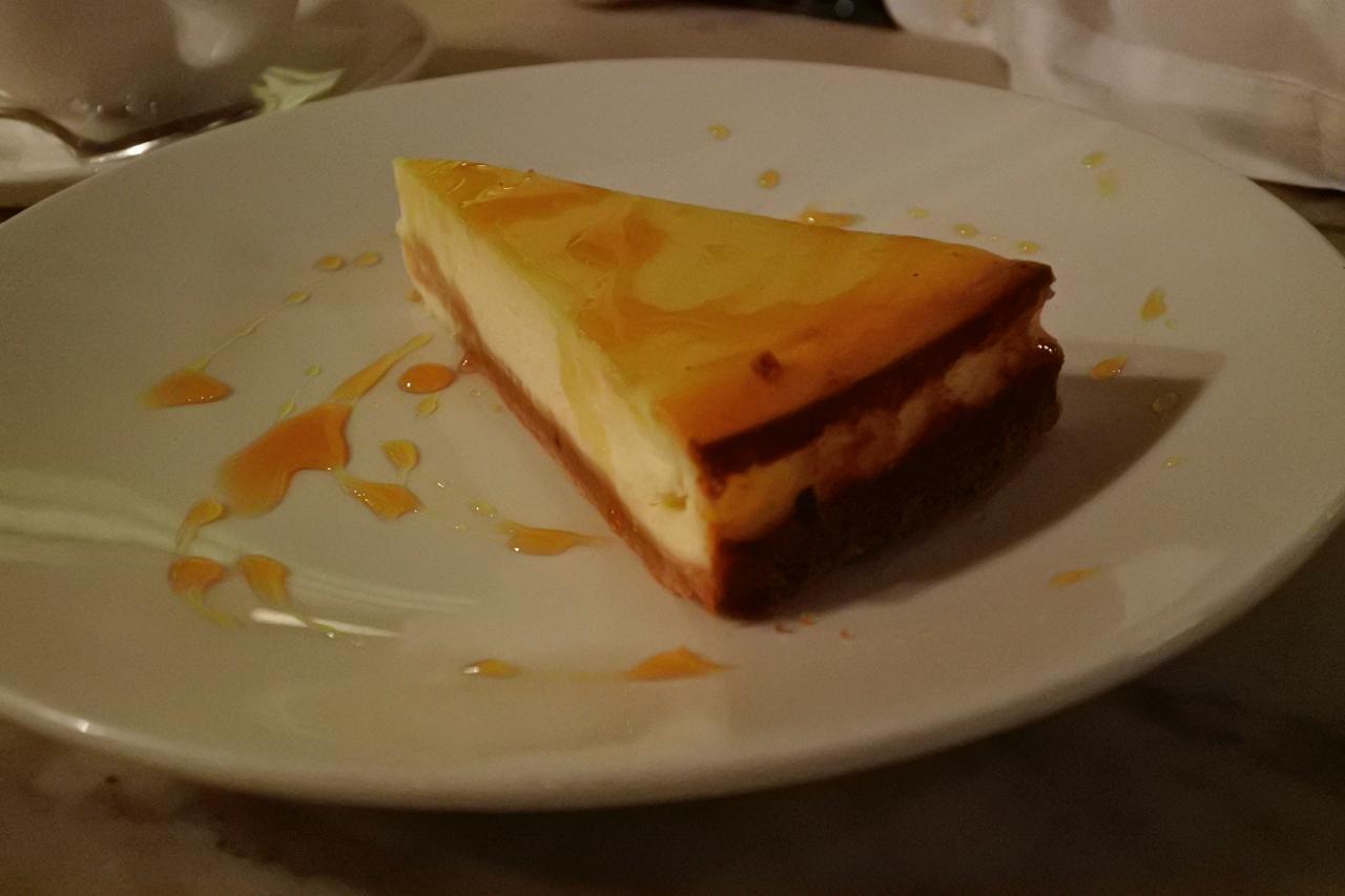 ベイクド・リコッタ・レモン・チーズケーキ。絶品。プロの味。