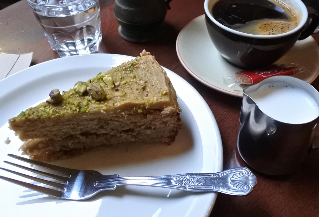 コーヒー&ウォルナッツ・ケーキ♪