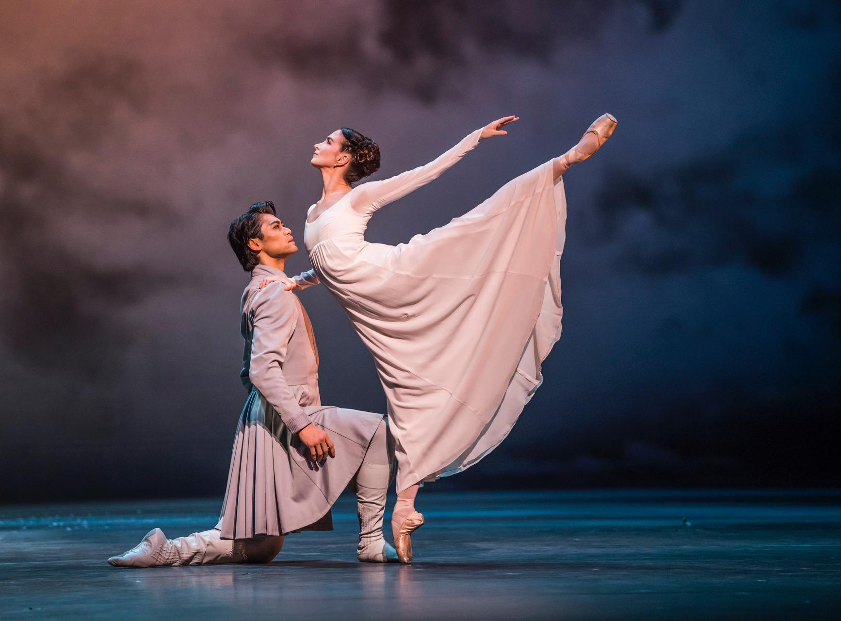 The Winter's Tale. Ryoichi Hirano as Leontes and Lauren Cuthbertson as Hermione. © ROH, 2018. by Tristram Kenton