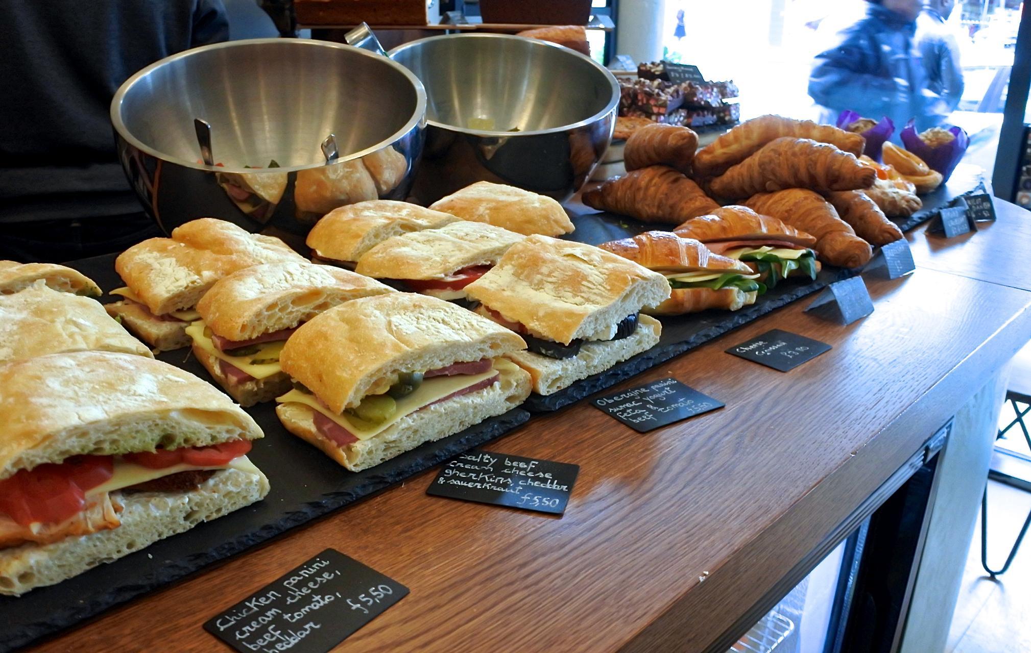 フィリングも丁寧に調理されているサンドイッチ類