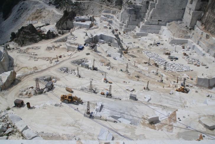 Carrara_marble_quarry
