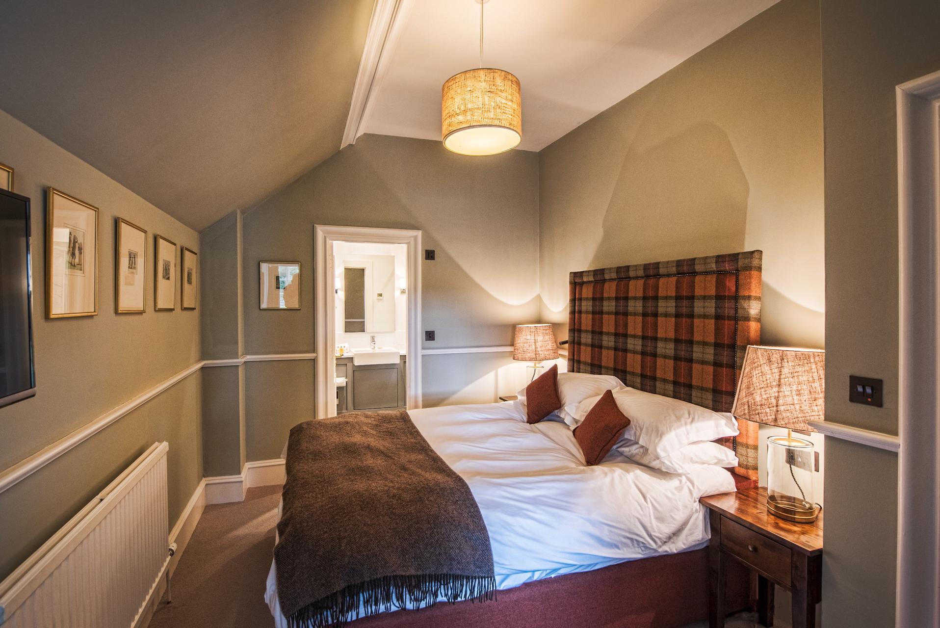 こちらが私が泊まったお部屋。こじんまりと快適だったのですが、シャワーしかないので、バスタブ派の方は予約時にぜひバスタブ付きの部屋を選んでください!