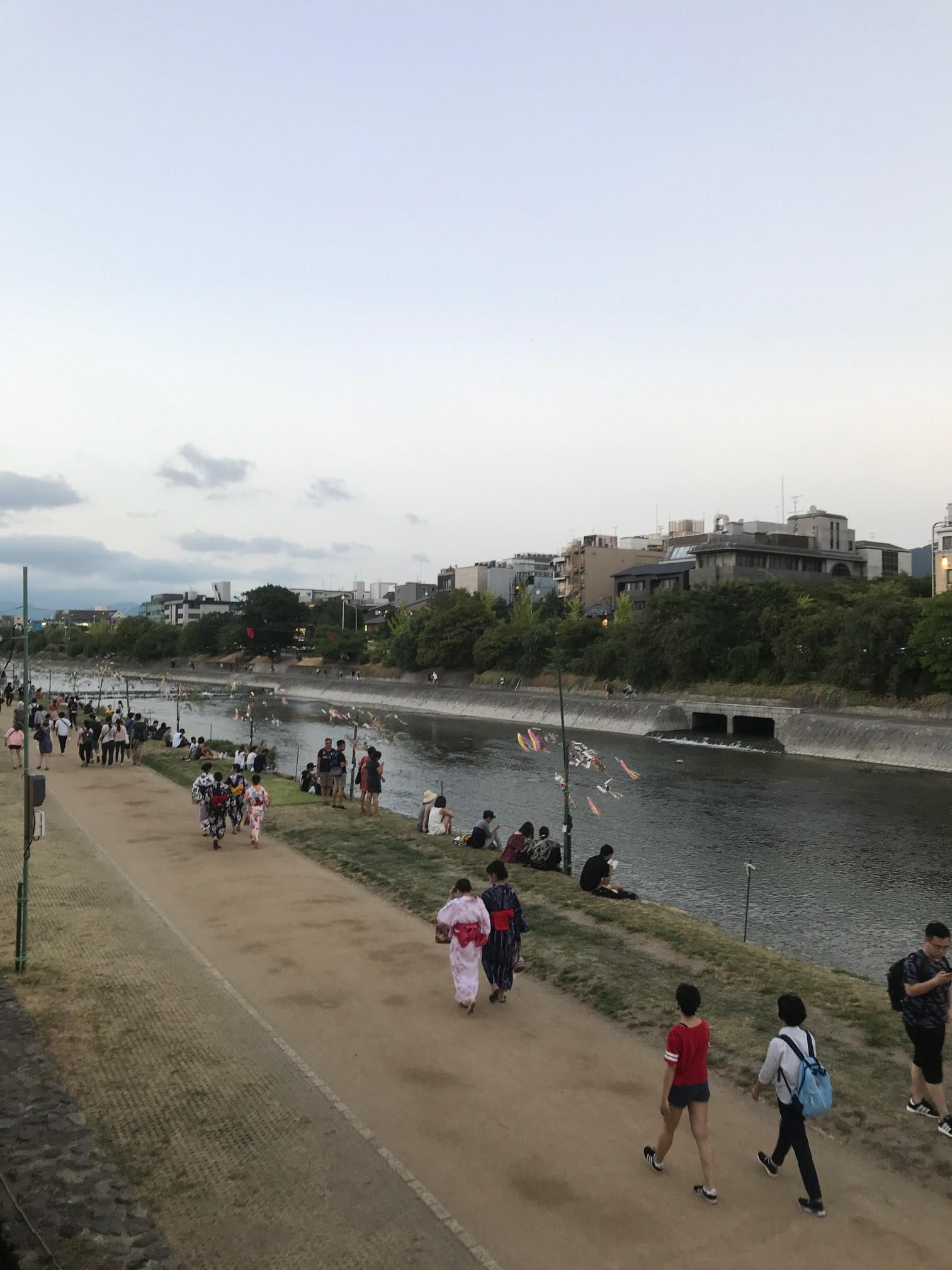 鴨川の川床