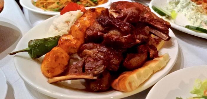 鳥料理に一家言あるトルコ街のスター・レストラン