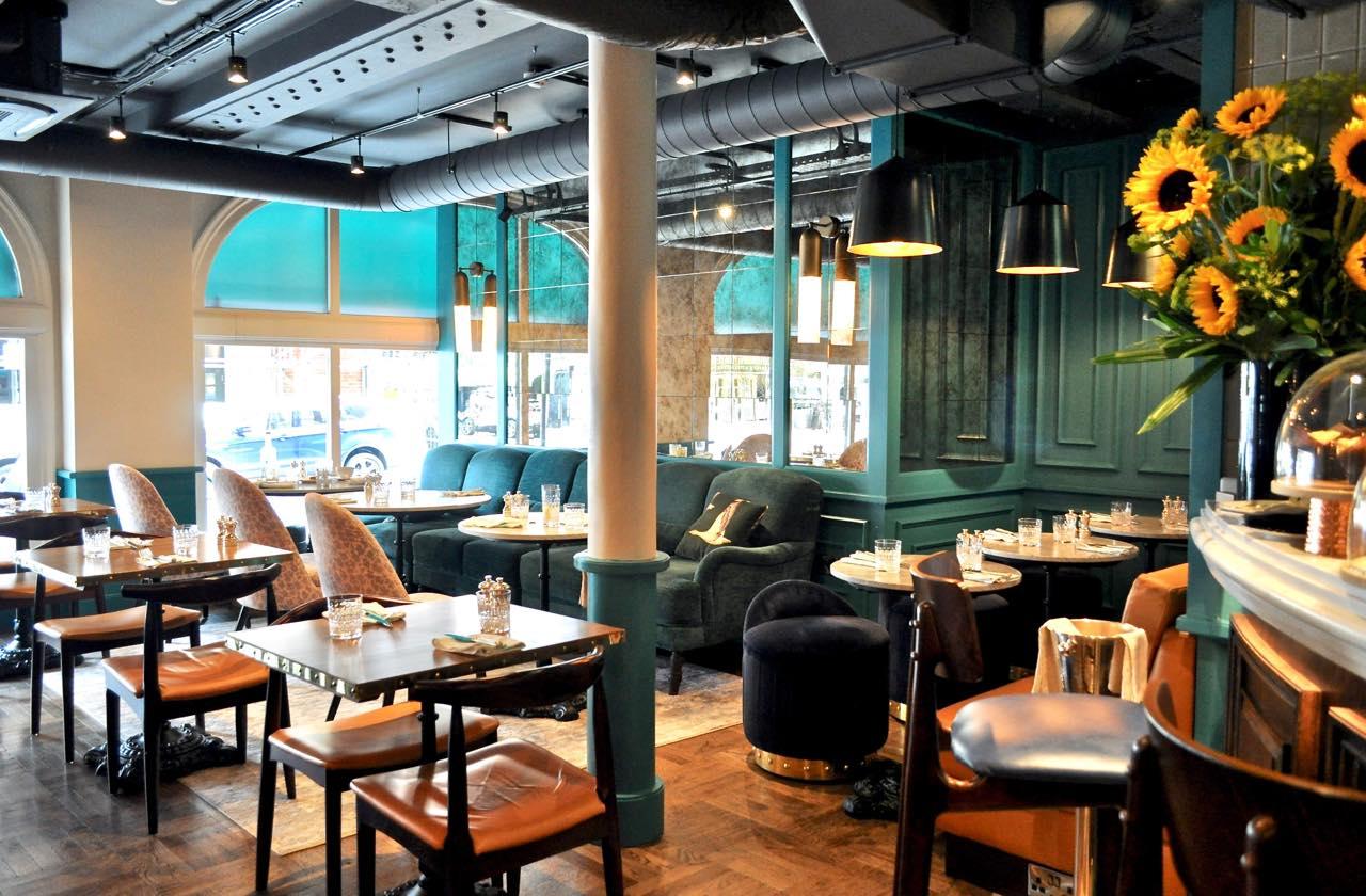 カフェとしてもレストランとしても優秀。こぢんまりとした空間が居心地良い。