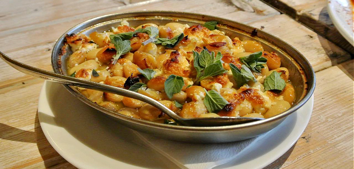 最高のピタパンを作るマネージャーさんがいる地中海ビストロ